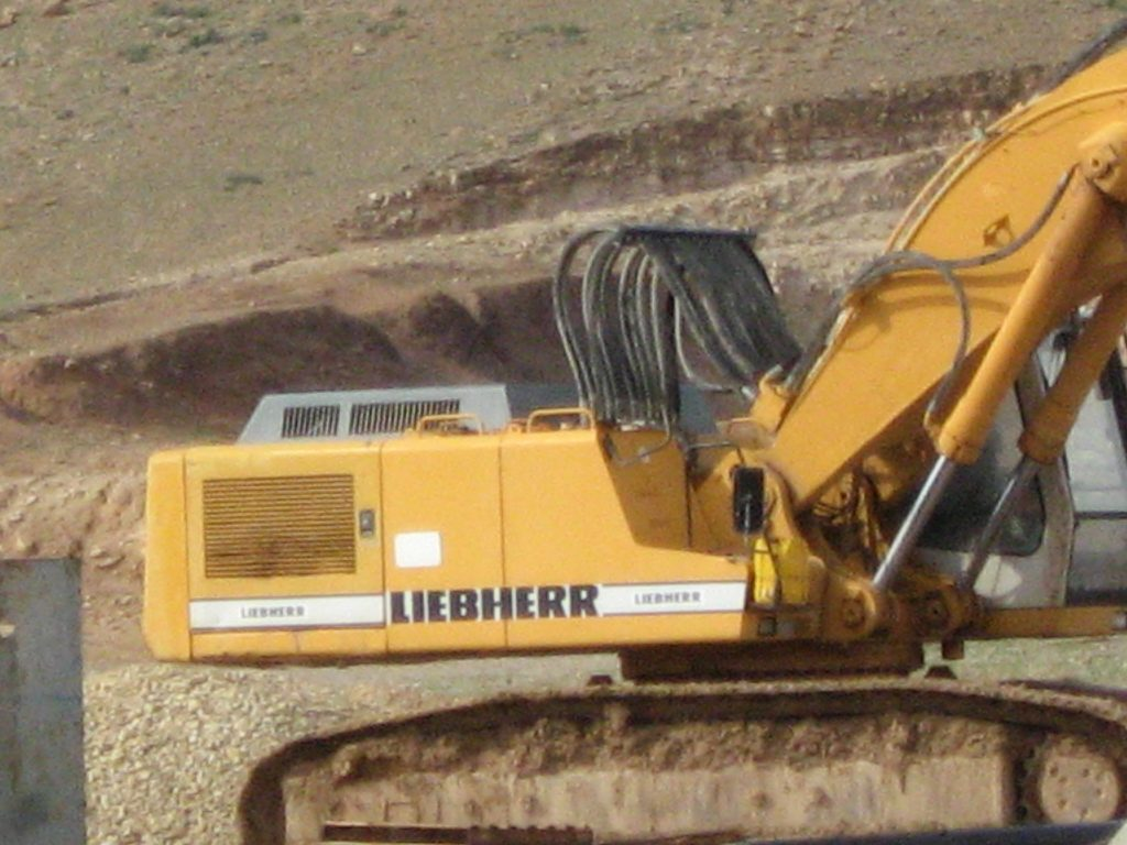 Liebherr machinery in Mishor Adumim