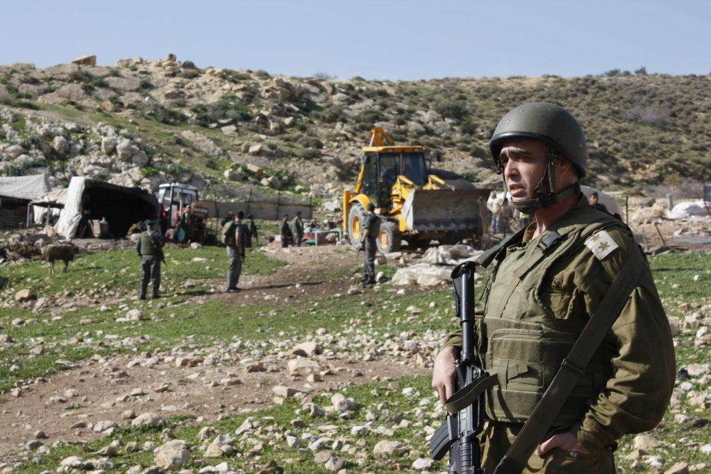 IOF demolish houses in Al Malih, Jordan Valley - 16/01/11